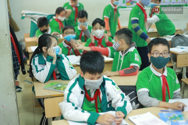 Sinh viên, học sinh THPT có thể đi học trước; mầm non đến THCS nghỉ tiếp 2 tuần - Ảnh 2.