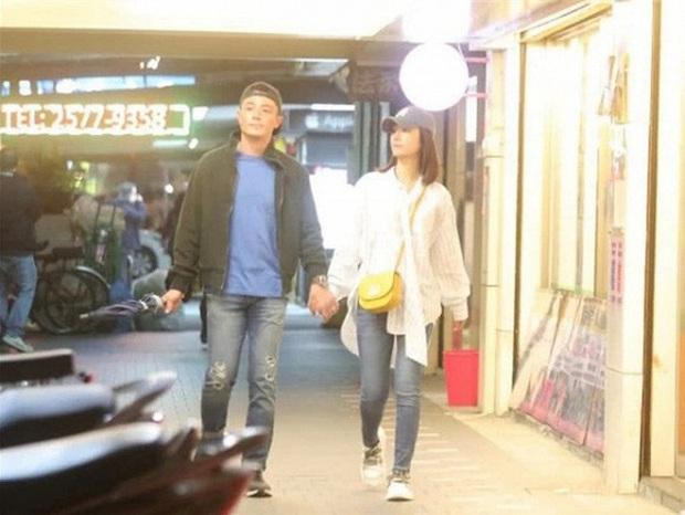 Lâu lắm rồi vợ chồng Lâm Tâm Như - Hoắc Kiến Hoa mới tình thế này: Trốn con hẹn hò, còn diện cả đồ đôi như mới yêu - Ảnh 5.