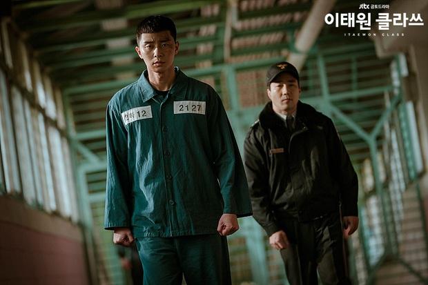 Kẻ chính nhân quân tử Park Sae Ro Yi: Từ báo thù đến tài thao lược quán nhậu ở Tầng Lớp Itaewon, làm gì người ta cũng phục! - Ảnh 4.
