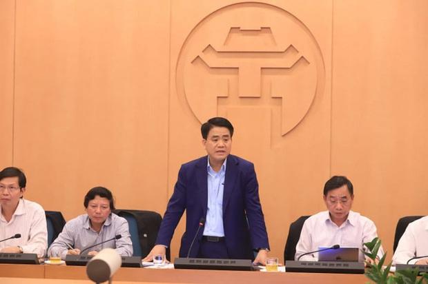 Chủ tịch Nguyễn Đức Chung yêu cầu cảnh báo các quán bar, hạn chế tụ tập phòng dịch Covid-19 - Ảnh 1.
