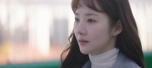 Trời Đẹp Em Sẽ Đến tập 1: Park Min Young đi làm bị đánh bờm đầu, chán nản bỏ về quê được crush tỏ tình luôn - Ảnh 3.