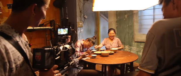 Làm vợ Trấn Thành không quen, Lê Giang hỏng cảnh 3 lần vì lo cười như được mùa ở hậu trường Bố Già - Ảnh 5.