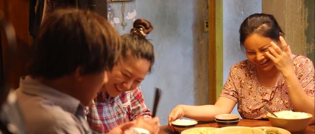 Làm vợ Trấn Thành không quen, Lê Giang hỏng cảnh 3 lần vì lo cười như được mùa ở hậu trường Bố Già - Ảnh 4.