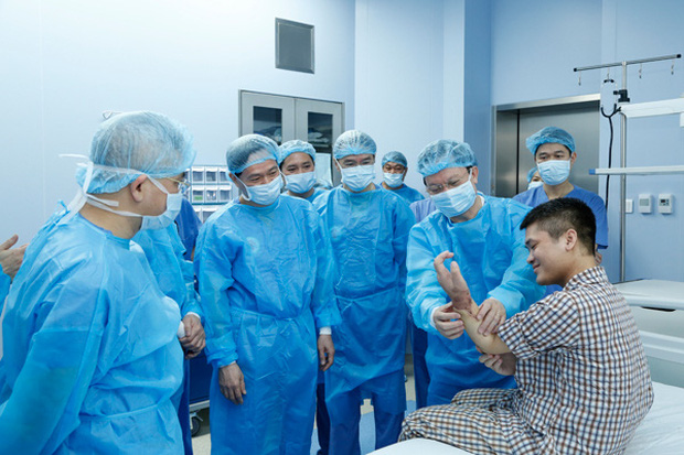 Việt Nam thực hiện thành công ca ghép chi thể đầu tiên trên thế giới lấy từ người cho sống - Ảnh 1.