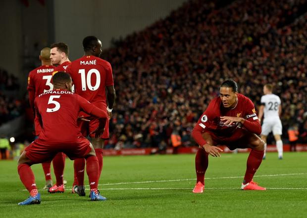 Liverpool lập 2 kỷ lục nhưng cũng hết cơ hội san bằng một kỷ lục khác sau chiến thắng hú vía trước đối thủ trong nhóm xuống hạng - Ảnh 5.