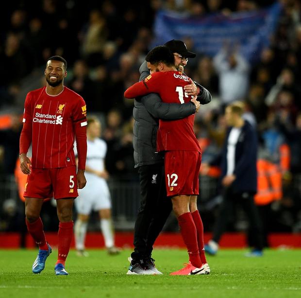 Liverpool lập 2 kỷ lục nhưng cũng hết cơ hội san bằng một kỷ lục khác sau chiến thắng hú vía trước đối thủ trong nhóm xuống hạng - Ảnh 11.