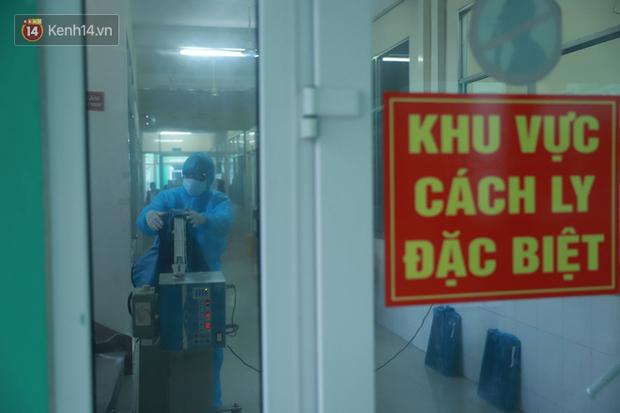 Thêm 1 du khách Hàn Quốc và 4 người Việt được cách ly do nghi nhiễm virus Corona ở Đà Nẵng - Ảnh 1.