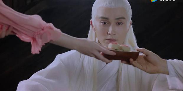 Đông Hoa Đế Quân (Chẩm Thượng Thư) có cả rổ biểu cảm nịnh nọt rẻ tiền, bảo sao Địch Lệ Nhiệt Ba không mê anh cho được - Ảnh 8.