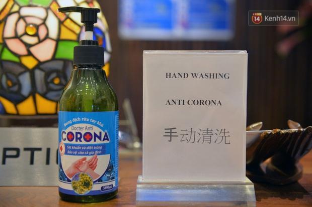 DJ và nhân viên các quán bar, karaoke được khuyến cáo đeo khẩu trang, thực hiện các biện pháp phòng dịch Covid-19 - Ảnh 15.