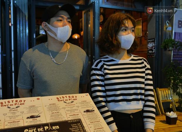 DJ và nhân viên các quán bar, karaoke được khuyến cáo đeo khẩu trang, thực hiện các biện pháp phòng dịch Covid-19 - Ảnh 16.