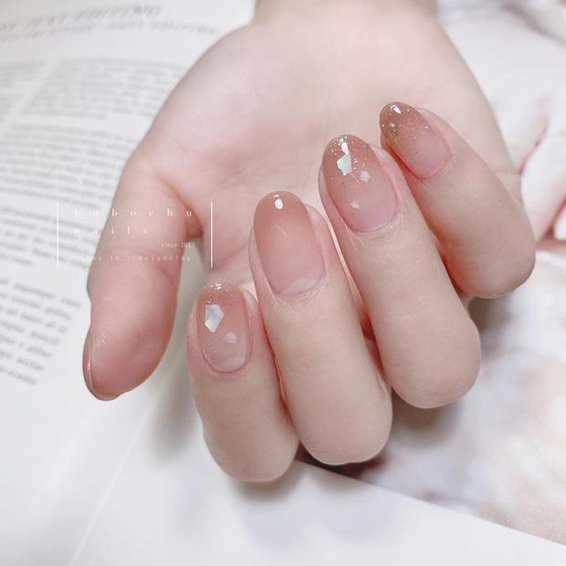 """12 mẫu nail đính hoạ tiết đơn giản mà """"đẹp banh"""": Nàng nào không thích diêm dúa thì mời vào - Ảnh 12."""