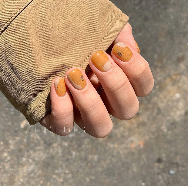 """12 mẫu nail đính hoạ tiết đơn giản mà """"đẹp banh"""": Nàng nào không thích diêm dúa thì mời vào - Ảnh 3."""