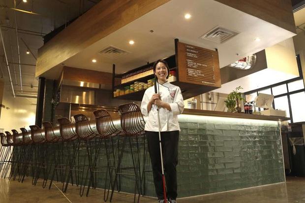 """Trò chuyện với vị đầu bếp chê trách gay gắt nhà hàng của Christine Hà: """"Khi thấy cách phản hồi của họ thì tôi nghĩ cái nhà hàng này nên dẹp đi!"""" - Ảnh 2."""