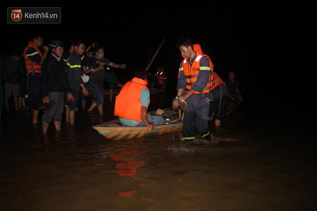 Vụ lật ghe thương tâm ở Quảng Nam: Đã tìm thấy 5 thi thể nạn nhân, còn 1 người mất tích - Ảnh 2.