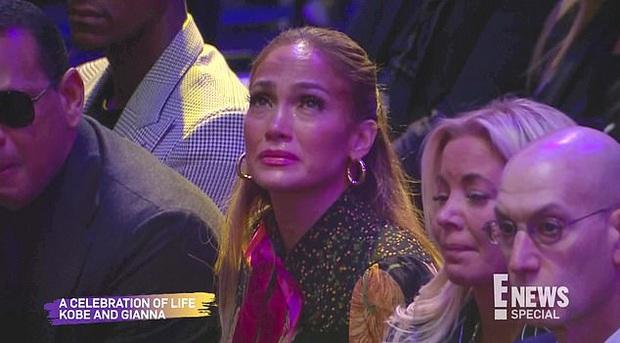 Lễ tưởng niệm Kobe Bryant: Jennifer Lopez - Michael Jordan bật khóc bên dàn sao, Alicia Keys - Beyonce biểu diễn trước 20.000 người - Ảnh 11.