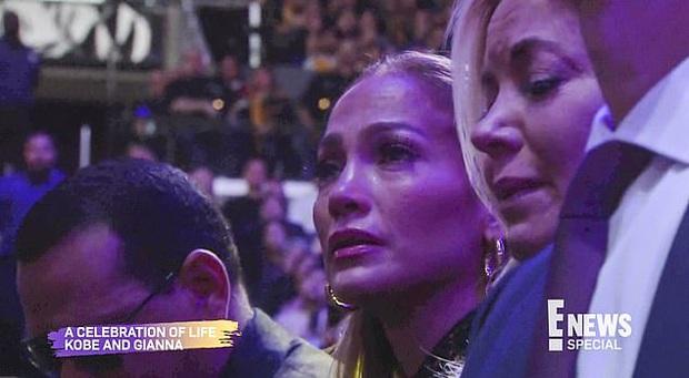 Lễ tưởng niệm Kobe Bryant: Jennifer Lopez - Michael Jordan bật khóc bên dàn sao, Alicia Keys - Beyonce biểu diễn trước 20.000 người - Ảnh 12.