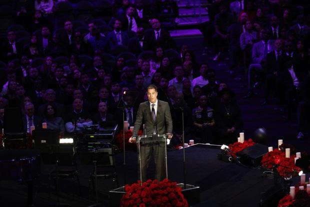 Lễ tưởng niệm Kobe Bryant: Jennifer Lopez - Michael Jordan bật khóc bên dàn sao, Alicia Keys - Beyonce biểu diễn trước 20.000 người - Ảnh 19.