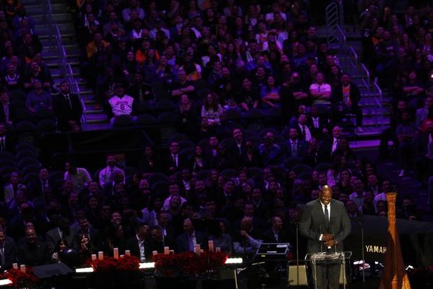 Lễ tưởng niệm Kobe Bryant: Jennifer Lopez - Michael Jordan bật khóc bên dàn sao, Alicia Keys - Beyonce biểu diễn trước 20.000 người - Ảnh 9.