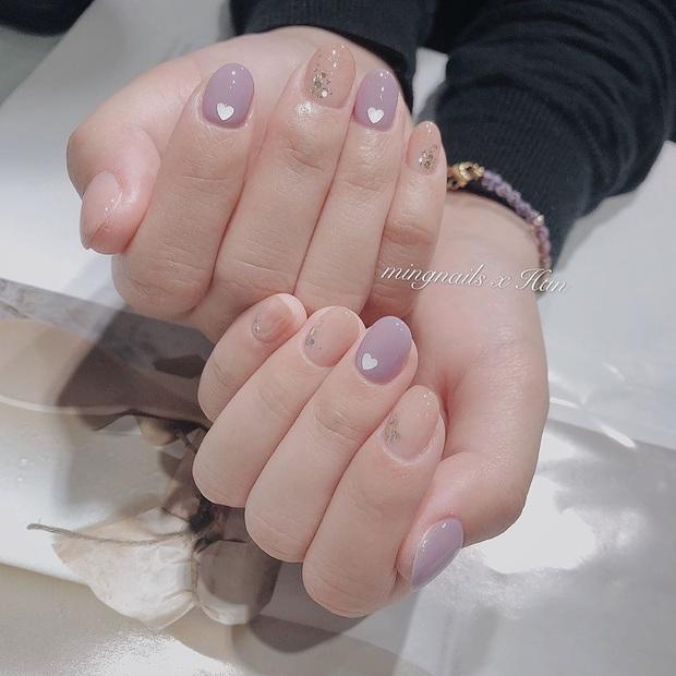 """12 mẫu nail đính hoạ tiết đơn giản mà """"đẹp banh"""": Nàng nào không thích diêm dúa thì mời vào - Ảnh 6."""