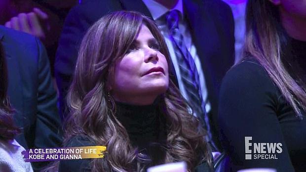 Lễ tưởng niệm Kobe Bryant: Jennifer Lopez - Michael Jordan bật khóc bên dàn sao, Alicia Keys - Beyonce biểu diễn trước 20.000 người - Ảnh 15.