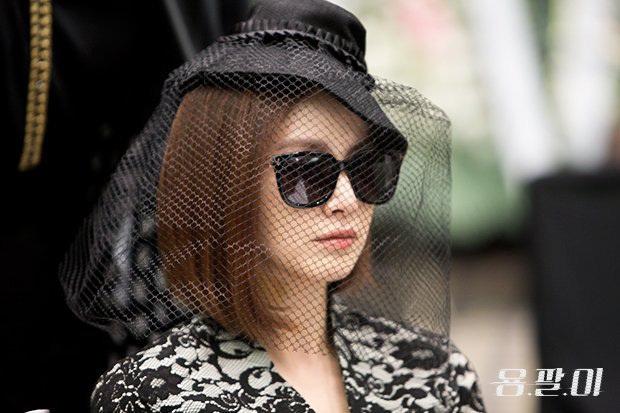 Góc đào mộ: Ai mà tin chị đẹp Kim Tae Hee từng gây sốc khi đi dự đám tang của chính mình ở Yong Pal! - Ảnh 2.