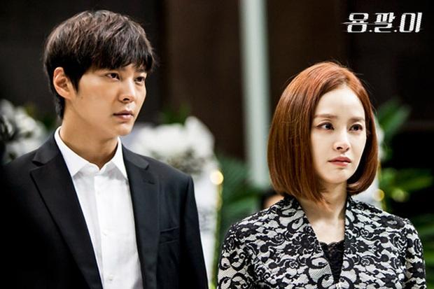 Góc đào mộ: Ai mà tin chị đẹp Kim Tae Hee từng gây sốc khi đi dự đám tang của chính mình ở Yong Pal! - Ảnh 3.