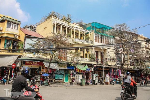 Những tuyến phố đắt đỏ có giá đất cả tỷ đồng/m2 ở Hà Nội - Ảnh 1.
