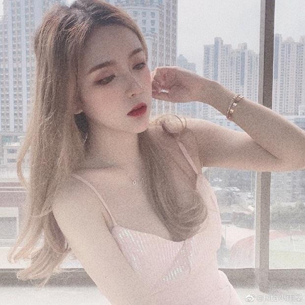 Vượt mặt cả nữ thần Candice, cô nàng này được ca ngợi là Nữ MC đẹp nhất Trung Quốc vì quá gợi cảm - Ảnh 12.