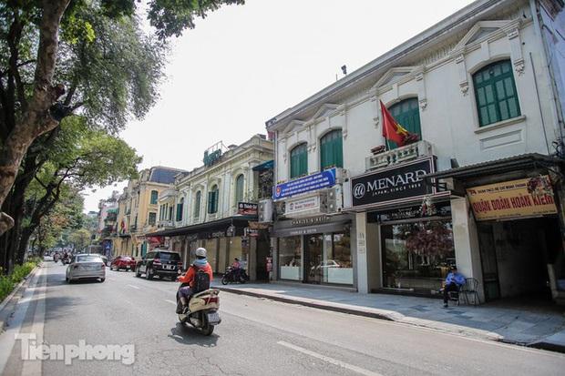 Những tuyến phố đắt đỏ có giá đất cả tỷ đồng/m2 ở Hà Nội - Ảnh 3.
