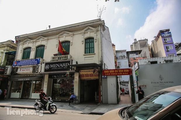 Những tuyến phố đắt đỏ có giá đất cả tỷ đồng/m2 ở Hà Nội - Ảnh 4.