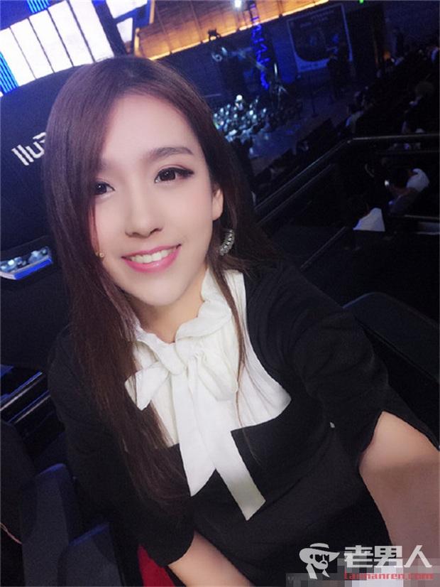 Vượt mặt cả nữ thần Candice, cô nàng này được ca ngợi là Nữ MC đẹp nhất Trung Quốc vì quá gợi cảm - Ảnh 9.