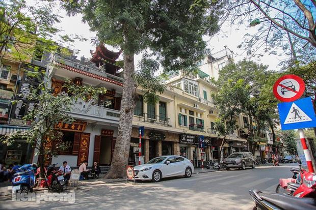 Những tuyến phố đắt đỏ có giá đất cả tỷ đồng/m2 ở Hà Nội - Ảnh 10.