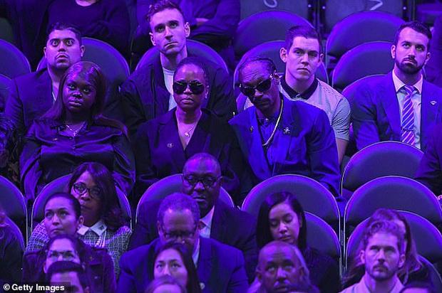 Lễ tưởng niệm Kobe Bryant: Jennifer Lopez - Michael Jordan bật khóc bên dàn sao, Alicia Keys - Beyonce biểu diễn trước 20.000 người - Ảnh 14.