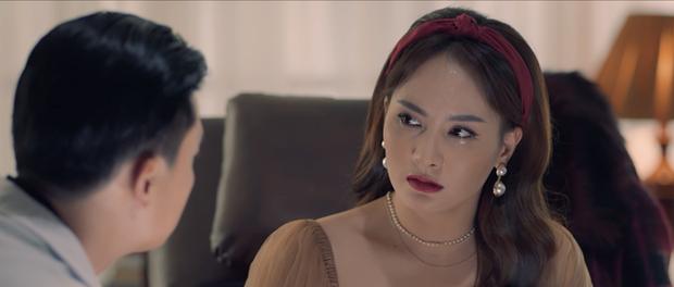 Nhìn lại vai diễn khởi nghiệp 5 mỹ nhân màn ảnh Việt: Thanh Hằng tắm trắng thành công, Chi Pu xinh xuất sắc từ đầu - Ảnh 17.
