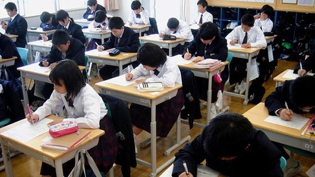 Nhật Bản lần đầu tiên trong lịch sử đóng cửa 1600 trường học tại một khu vực để tránh dịch Covid-19 - Ảnh 1.