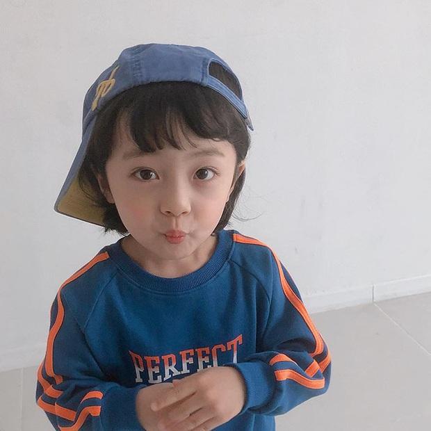 Nhóc tỳ được chuyển giới thành con gái Kim Tae Hee: Mẫu nhí nam có gương mặt như thiên thần, 5 tuổi đã quá tài năng - Ảnh 9.