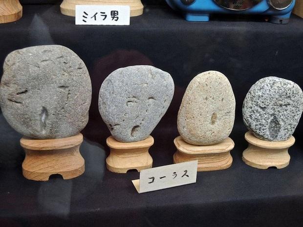 """Bảo tàng đá mặt người với hàng trăm sắc thái khác nhau ở Nhật Bản, có tác phẩm còn """"cosplay"""" cả danh ca Elvis Presley đình đám - Ảnh 3."""