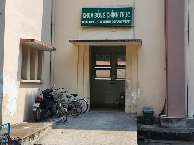 Sức khỏe hiện tại của bé trai 6 tuổi bị dì ruột thiêu sống ở Vũng Tàu: Bỏng nặng 50%, phải phẫu thuật nhiều lần - Ảnh 1.