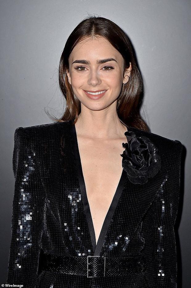 2 mỹ nhân Hollywood đại náo show Paris: Bà xã Justin khí chất ngút ngàn, Bạch Tuyết Lily Collins thả rông táo bạo - Ảnh 9.