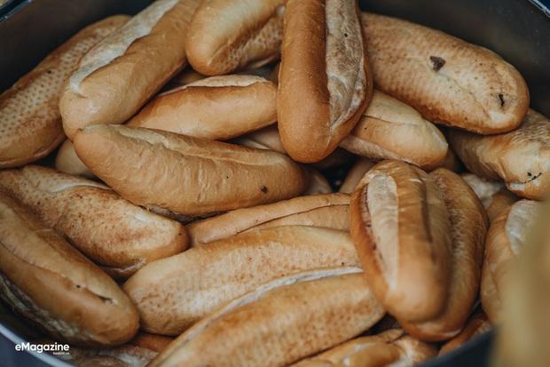 Bánh mì Việt cưa đổ cả thế giới: từ món Tây vay mượn đã trở thành đặc sản Việt Nam vươn tầm quốc tế, ghi hẳn tên riêng trong từ điển - Ảnh 3.