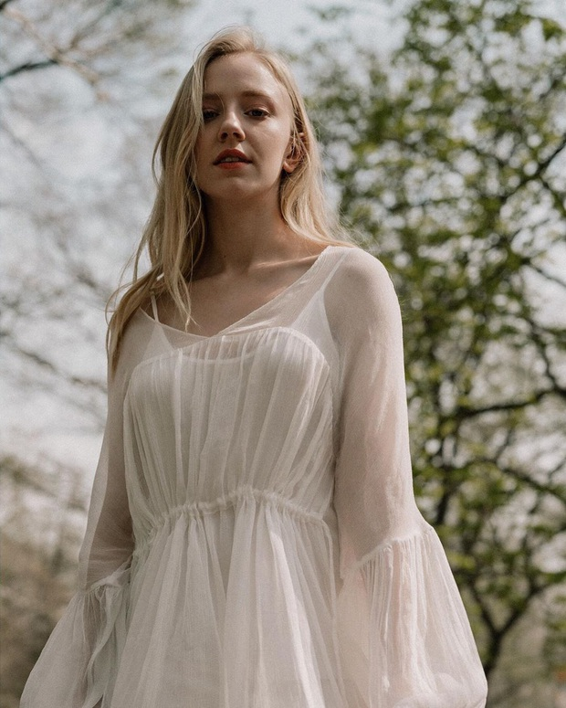 Thiên thần Đan Mạch năm nào nay đã trưởng thành, vẫn xinh đẹp nhưng không còn tiên khí như xưa - Ảnh 7.