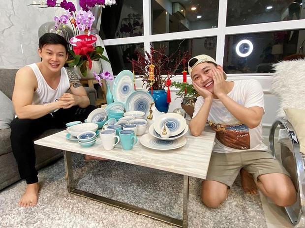 Chân dung người yêu đồng giới 8 năm của Don Nguyễn: Bảnh bất ngờ, kém hơn nửa con giáp nhưng thích lái máy bay - Ảnh 4.