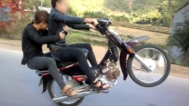 Nhiều thanh niên không lắp gương xe vì sợ xấu, nhưng mức xử phạt đối với xe không gương đã tăng gấp 2 đây này! - Ảnh 1.