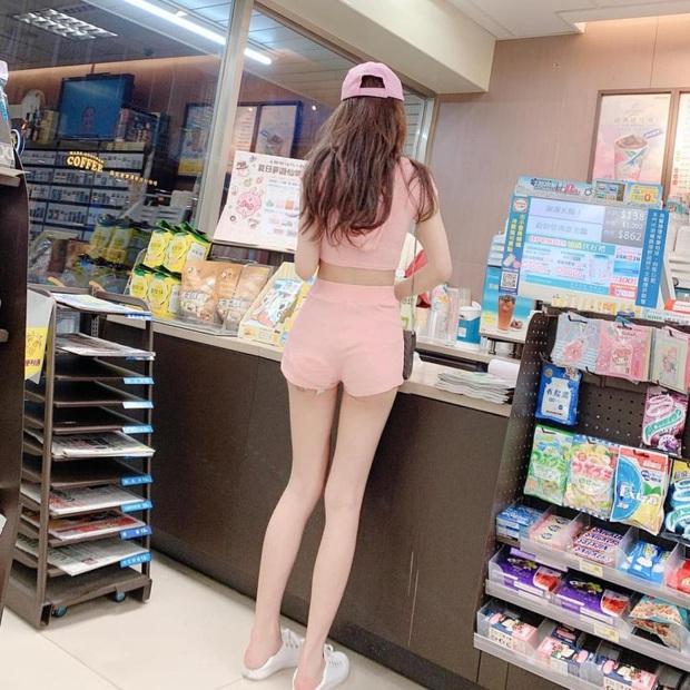 Chỉ nhờ một bức ảnh chụp từ sau lưng, cô gái bỗng được dân mạng xin info rầm rầm, chính diện còn gây trầm trồ hơn - Ảnh 1.