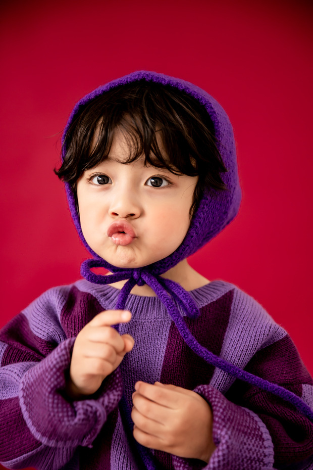 Nhóc tỳ được chuyển giới thành con gái Kim Tae Hee: Mẫu nhí nam có gương mặt như thiên thần, 5 tuổi đã quá tài năng - Ảnh 2.