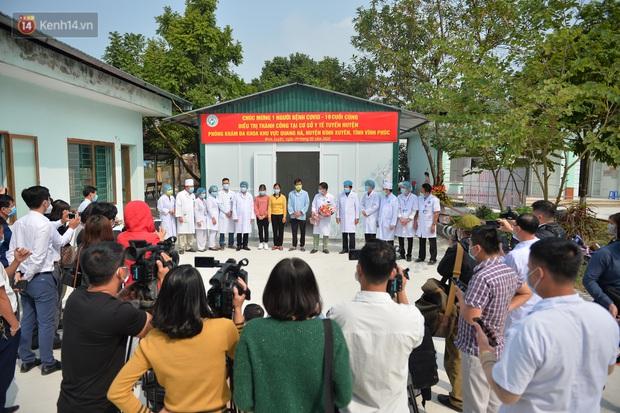 Bệnh nhân nhiễm COVID-19 cuối cùng của Việt Nam được xuất viện: Mong cộng đồng không kỳ thị người dân Sơn Lôi nữa - Ảnh 2.