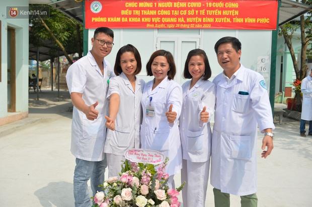 Bệnh nhân nhiễm COVID-19 cuối cùng của Việt Nam được xuất viện: Mong cộng đồng không kỳ thị người dân Sơn Lôi nữa - Ảnh 4.