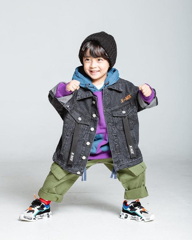 Nhóc tỳ được chuyển giới thành con gái Kim Tae Hee: Mẫu nhí nam có gương mặt như thiên thần, 5 tuổi đã quá tài năng - Ảnh 12.