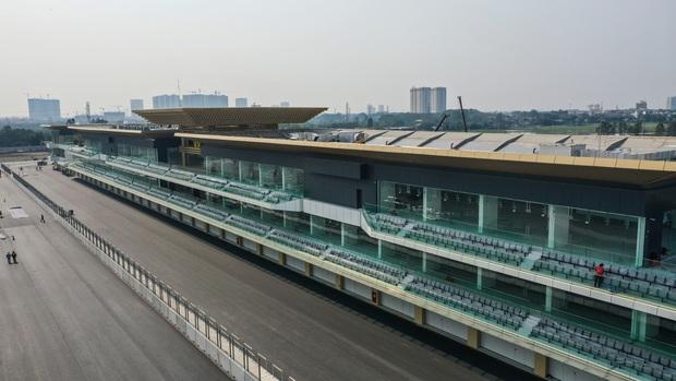 Đường đua công thức 1 tại Hà Nội đã hoàn tất, sẵn sàng cho giải đua xe hấp dẫn nhất hành tinh - Ảnh 3.