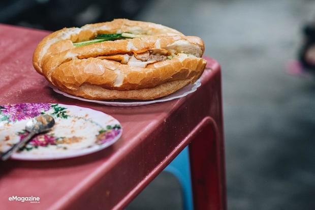 Bị 20 khách Hàn chê là mấy mẩu bánh mì, dân tình rần rần minh oan cho món street-food lừng danh của Việt Nam - Ảnh 6.